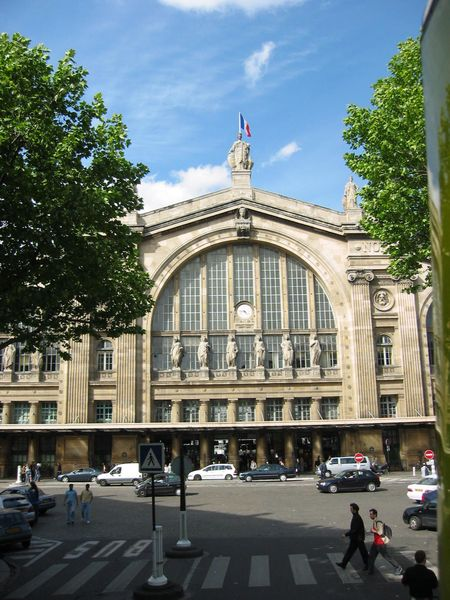 450px-Gare_du_Nord_front